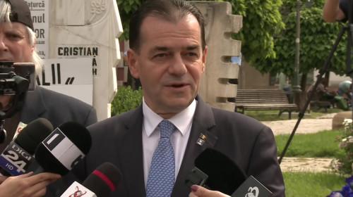 Ludovic Orban la monumentul eroilor din Piața Universității