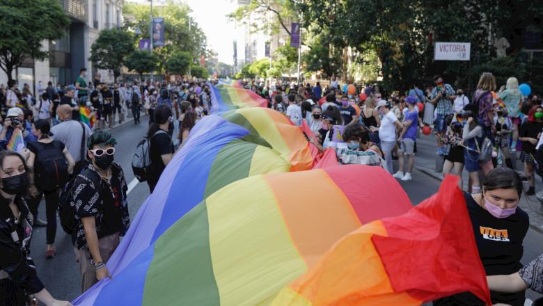 Marș Bucharest Pride LGBT cu homosexuali, lesbiene și transsexuali