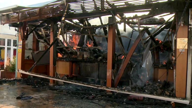 Incendiu la o terasă din Mamaia, Constanța