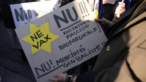Nevaccinat la protest antivaccinist