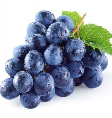 Dark,Blue,Grape,With,Leaves,Isolated,On,White,Background.,Wet