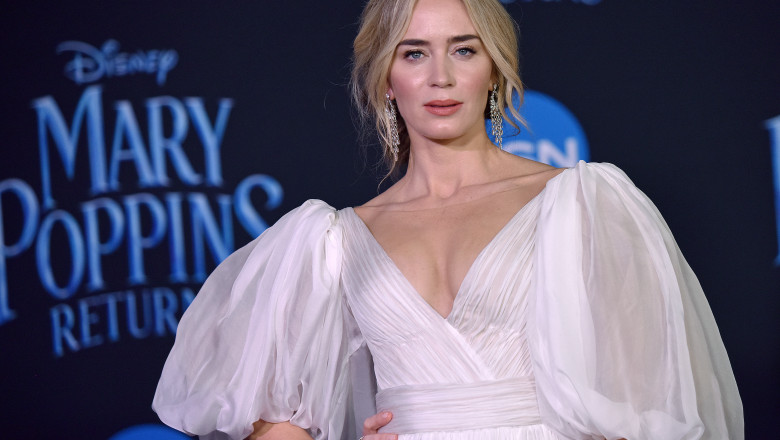 emily blunt premiera mary poppins