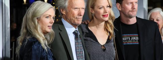 """Clint Eastwood, alaturi de familie la premiera """"The Mule"""""""