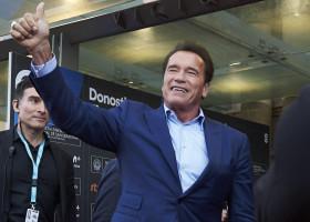 Arnold Schwarzenegger a incurajat un fan in depresie