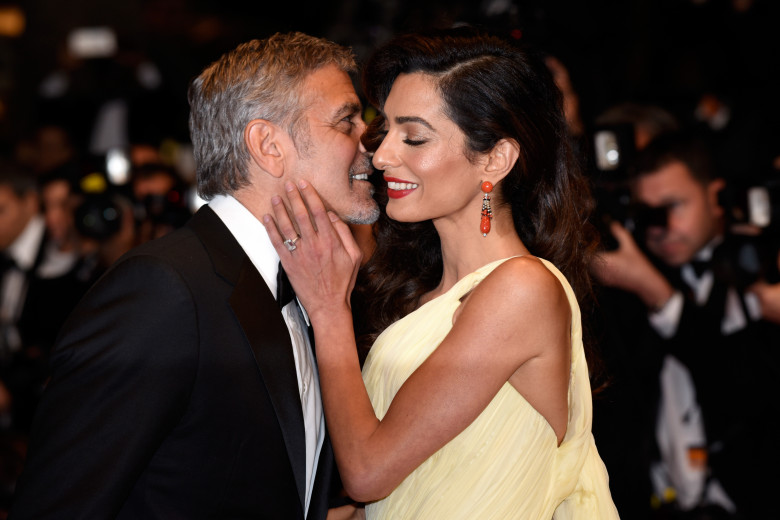 amal clooney la un pas sa il sarute pe sotul ei george clooney
