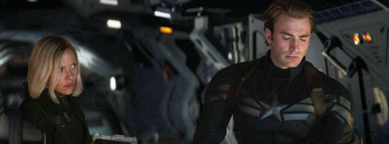 Avengers: Endgamecaptura cu black widow si captain america in costume
