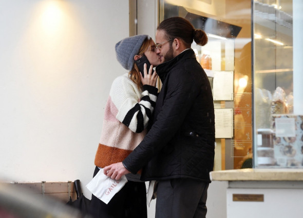 *PREMIUM-EXCLUSIVE* MUST CALL FOR PRICING BEFORE USAGE - Harry Potter British Actress Emma Watson seen passionately kissing her boyfriend Leo Robinton while out for lunch in London.