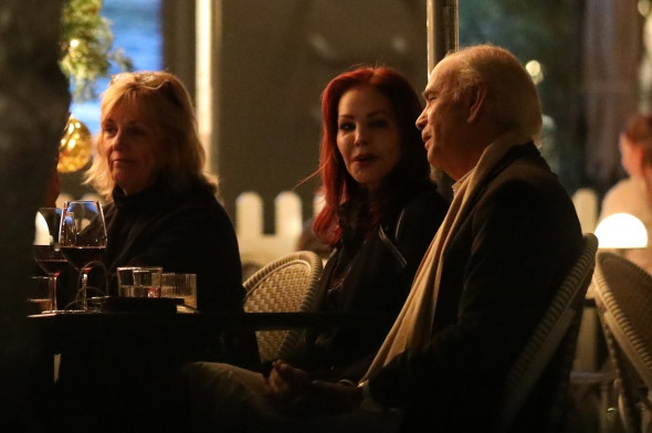 *EXCLUSIVE* Priscilla Presley enjoys dinner out with friends at Hank's in Pacific Palisades