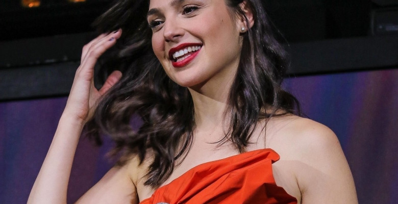 *EXCLUSIVE* Gal Gadot channels Wonder Woman at a CCXP panel in Sao Paulo!