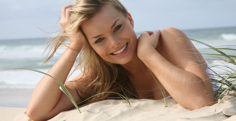 Exclusive - Margot Robbie 2008 Photoshoot
