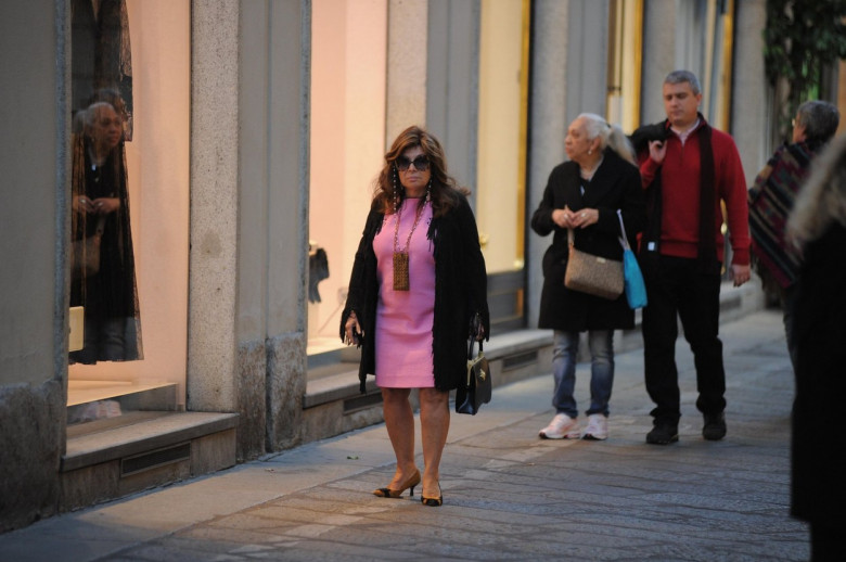 Milan, Patrizia Reggiani shopping in downtown Patrizia Reggiani, who in 1995 killed her husband Maurizio Gucci after having taken over 16 years in jail and 3 years in social services, is now a completely free woman. It is a surprise all alone late at nigh