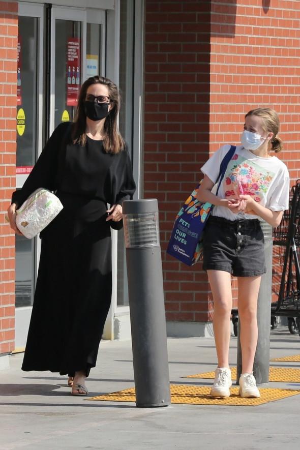 Angelina Jolie și Vivienne Jolie-Pitt