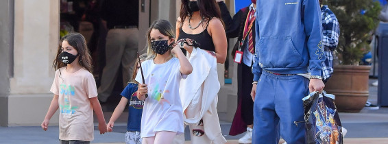 PREMIUM EXCLUSIVE:  Machine Gun Kelly and Megan Fox take Megan's three boys for a fun day out at Universal Studios Hollywood
