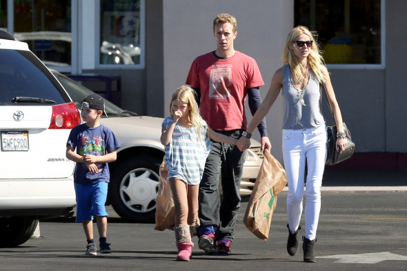 *EXCLUSIVE* Gwyneth Paltrow and Chris Martin : Picture Perfect Family Gwyneth Paltrow and Chris Martin