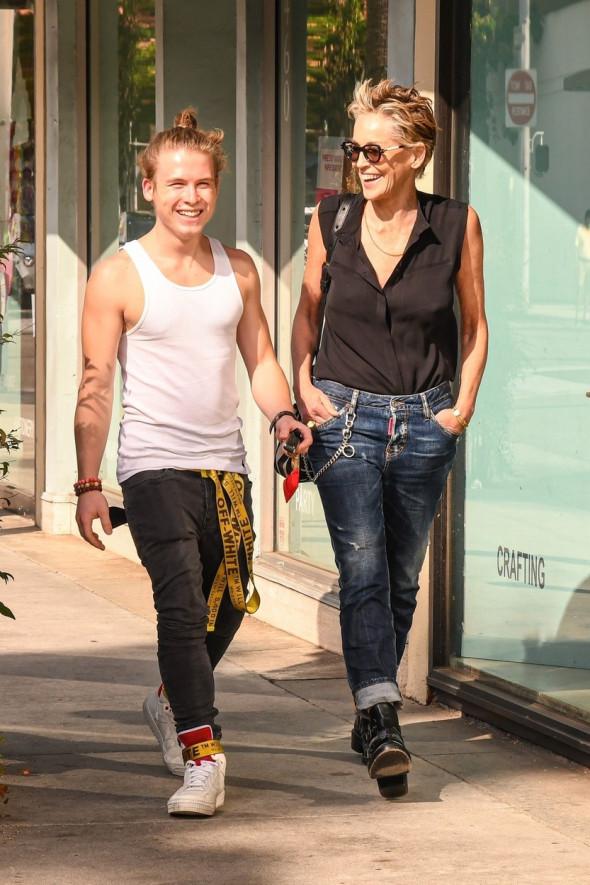Sharon Stone si fiul ei, roan