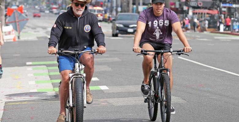 Arnold Schwarzenegger și joseph baena