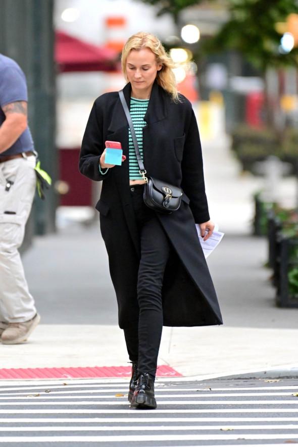 Diane Kruger, fotografiată fără machiaj pe străzile din New York
