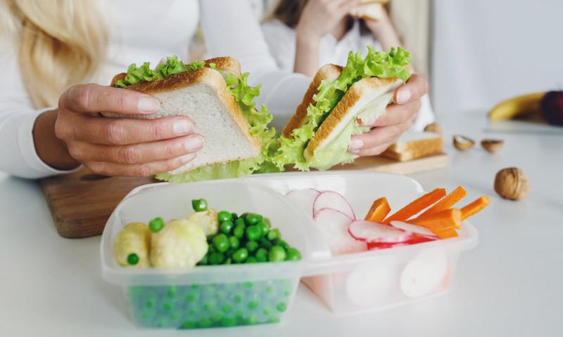 sandwich pachetel scoala