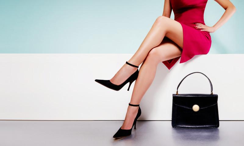 femeie geanta pantofi