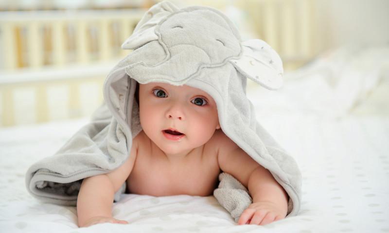 bebelus copil