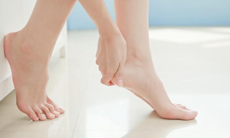 picioare calcaie