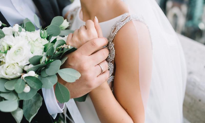 Un mire a murit înainte să se căsătorească, sub ochii partenerei de 21 de ani