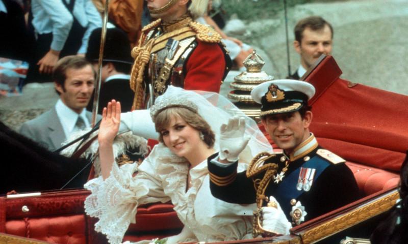Prințesa Diana și prințul Charles, în ziua nunții