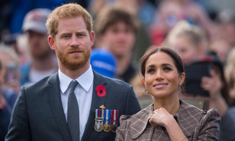 """Prințul Harry și Meghan Markle, ținta glumelor după ce au apărut pe coperta revistei """"Time"""": """"Ai zice că Harry e stilistul ei!"""""""