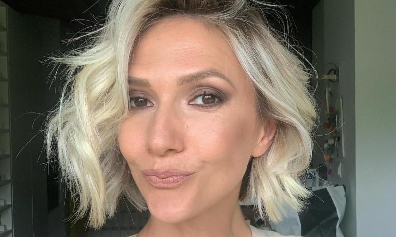 Adela Popescu insarcinata