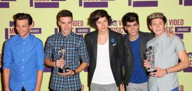 lista-castigatorilor-mtv-vma-2012-vezi-cine-a-plecat-acasa-cu-un-premiu-de-la-mtv-video-music-awards