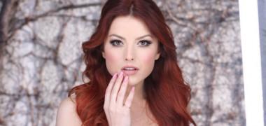 elena-gheorghe-asa-cum-nu-ai-mai-vazut-o-pana-acum-uite-cum-arata-in-videoclipul-pisei-ecou-video 2