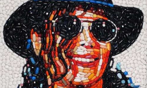 poze-portretul-lui-michael-jackson-creat-din-pastile