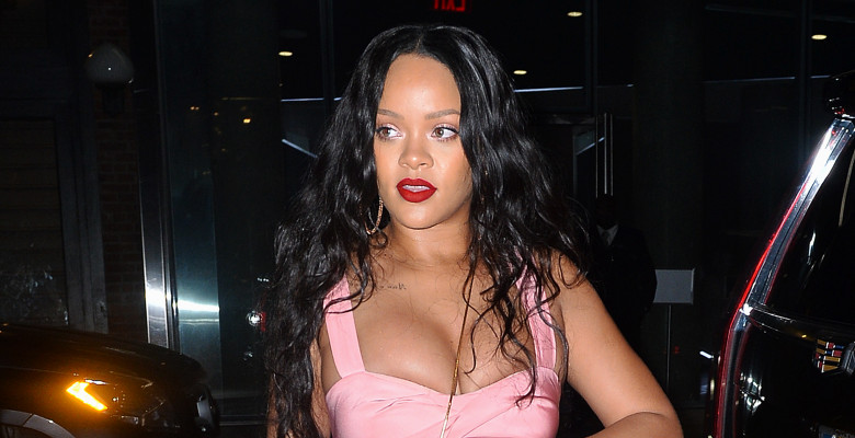 rihanna-header-splash