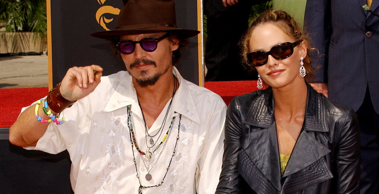 johnny-depp-vanessa-paradis-splash
