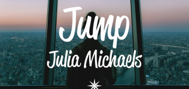julia-michaels-jump