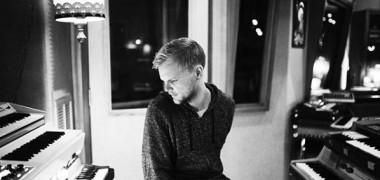 Ultima piesă compusă de Avicii în colaborare cu Chris Martin de la...