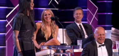 Demi Moore i-a făcut roast-ul lui Bruce Willis şi a ridicat sala în picioare | VIDEO