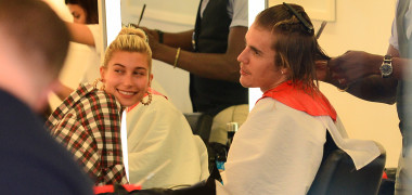 Justin Bieber and Hailey Baldwin all smiles hanging inside salon together while he gets hair cut in New York