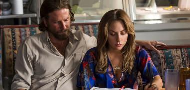 Bradley Cooper și Lady Gaga în filmul A Star Is Born (2018)