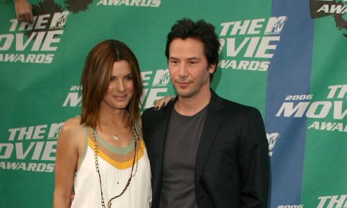 Keanu Reeves și Sandra Bullock în 2006 la MTV Movie Awards