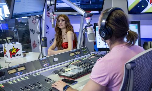 Elena Gheorghe și Sebastian Coțofană în studioul ProFM la Dimineața Blană