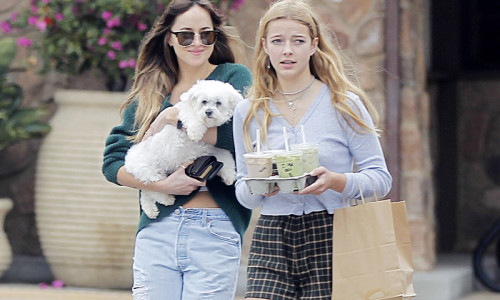 ***NO USE W/O PRIOR AGREEMENT - CALL FOR PRICING***Dakota Johnson and Apple Martin go to grab some ice coffee and drinks in Malibu.