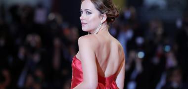 Cum a apărut Dakota Johnson la premiera noului ei film. Fanii au...