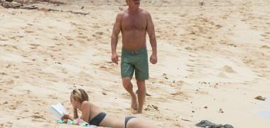 Sean Penn are o iubită cu 32 de ani mai tânără. Este fiica unui cuplu...