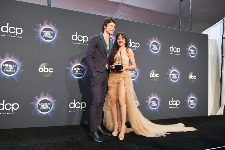 Shawn Mendes si Camila Cabello - 2019 American Music Awards