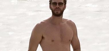 *EXCLUSIVE* Liam Hemsworth visits the beach on Tybee Island where he met Miley Cyrus