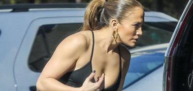 *EXCLUSIVE* Jennifer Lopez and Alex Rodriguez start off the new year with a trip to the gym in Venice Beach
