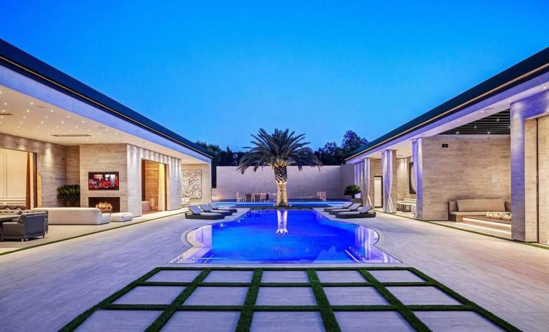 Kylie Jenner. Casa din Holmby Hills