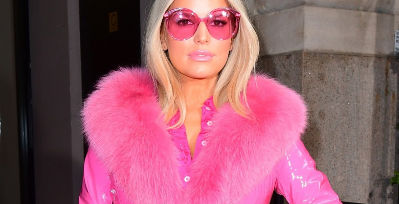 "Jessica Simpson is Pretty in Pink on NYC Press Tour for ""Open Book"""