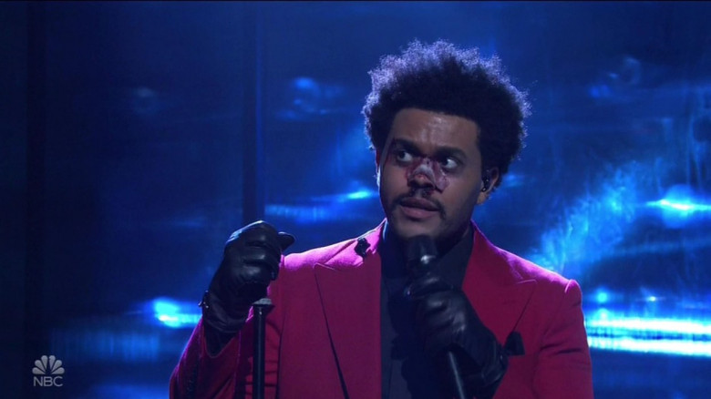 Abel Makkonen Aka The Weeknd delivers a 'Blinding' performance, completely with a blood and bandaged nose on Saturday Night Live